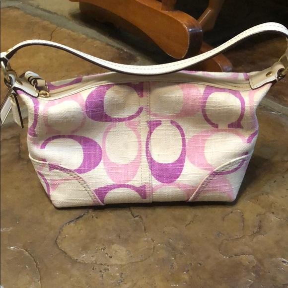 Coach Handbags - Coach Soho baguette 41463